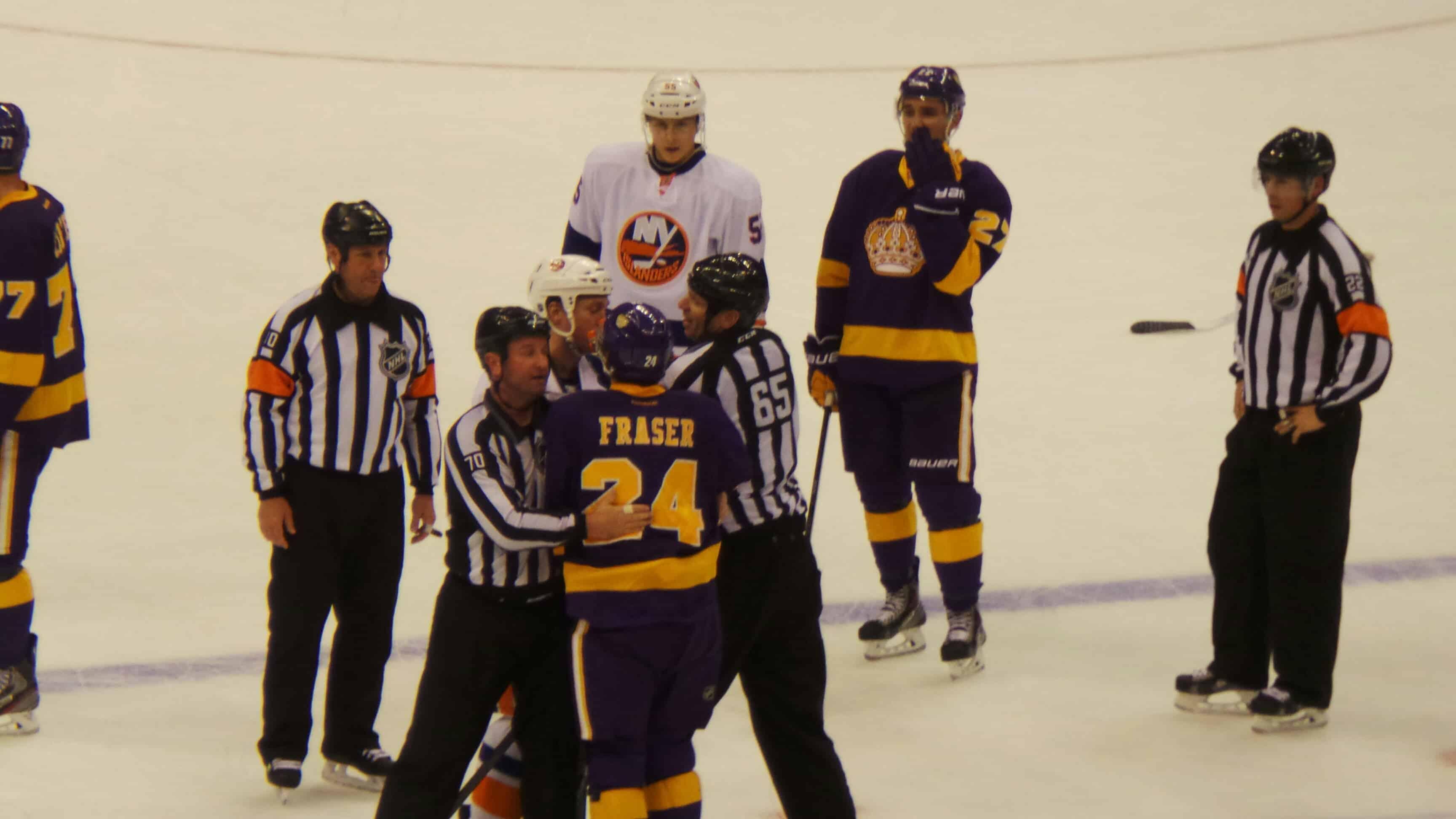 LA Kings vs NY Islanders fight
