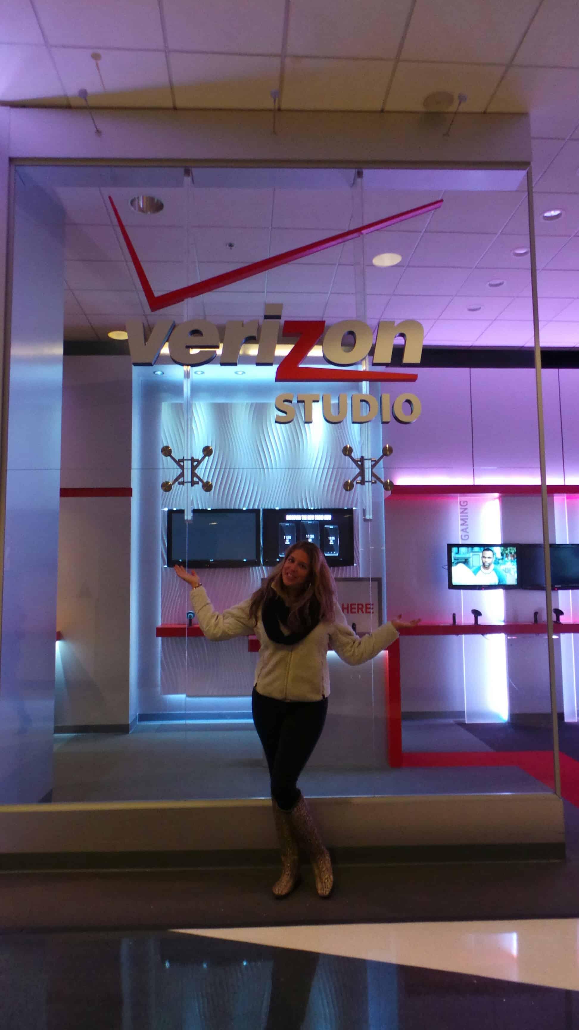 xoxolizza visits the Verizon Studio